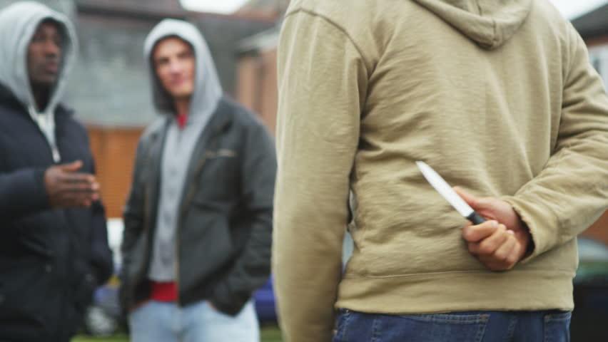 kỹ năng giao tiếp không cần phải giấu dao sau lưng