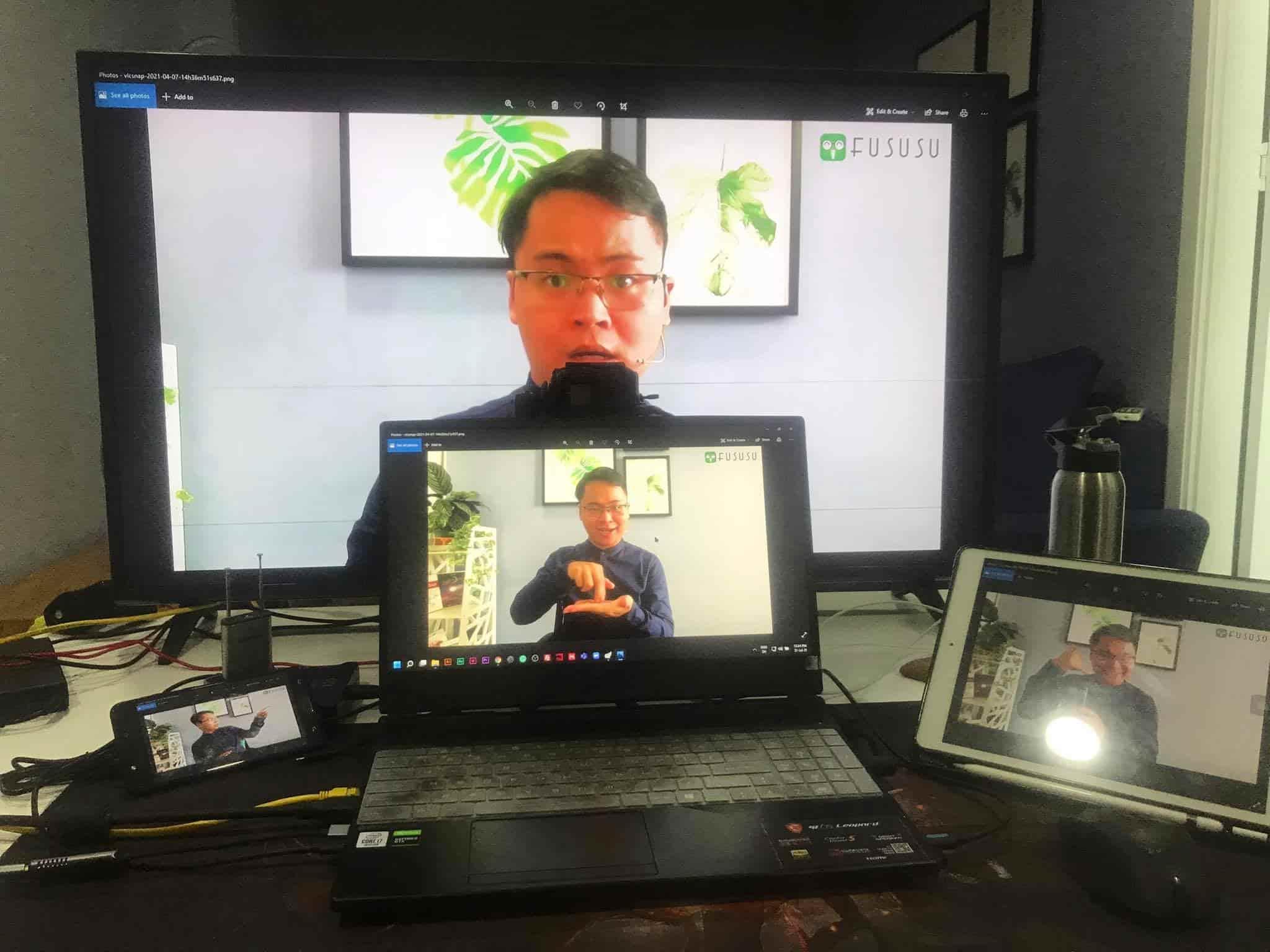 cách dạy học online hiệu quả với 4 màn hình